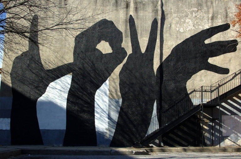 street art ombres mains